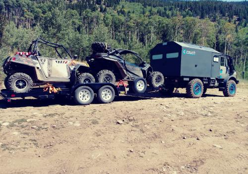 Mercedes Unimog 1350 going camping