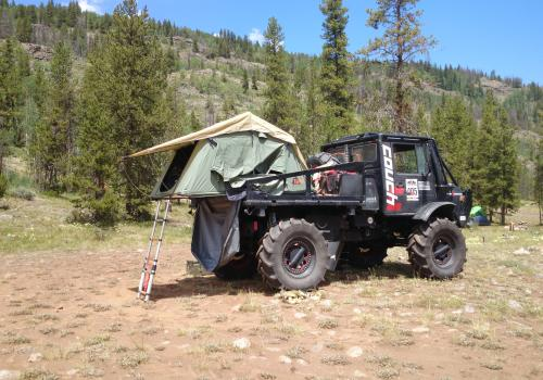 Unimog 1700 BAM BAM camping with pop out tent