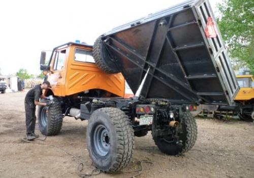Unimog Custom Fabrication
